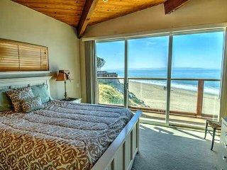 (3 bedrooms, 3 bathrooms) Captain's Quarters, Santa Cruz