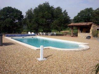 Gîte avec piscine et jacuzzi