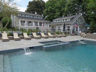 Orleans Estate w/large heated pool, sleeps 24:39-O