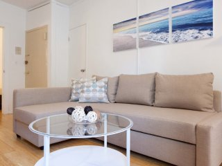 Furnished 1-Bedroom Apartment at 2nd Ave & E 78th St New York, Nueva York