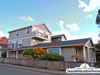 111 Ave G - Ocean View - 250ft to Beach, Seaside