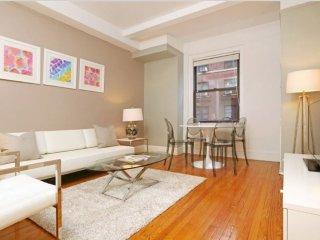Elegant 1 Bedroom Apartment - 1 Block Away from Central Park, Nueva York