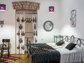 Two-bedrooms apartment near spa-center Taurus, Leópolis