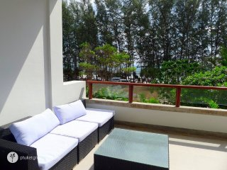 Lovely penthouse with 3 bedrooms on the beach