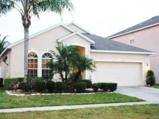 Beautiful 4-BR Home w/ Pool Near Disney, Orlando