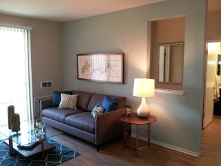 PREPOSSESSING FURNISHED 1 BEDROOM 1 BATHROOM APARTMENT, Campbell