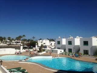 Centrally located 2 bed Apartment in Puerto del Carmen with Wifi LVC235245