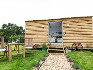 Rosemary, Buttercup Barn Retreats located in Wootton Bridge, Isle Of Wight