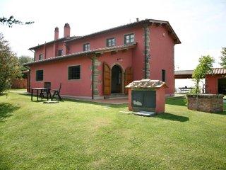 Villa Campioni: hilltop, pool, wheelchair friendly, Buggiano