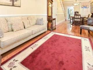 RENOVATED AND FURNISHED 2 BEDROOM APARTMENT, Washington, D.C.