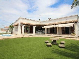 0099-PANI Casa con piscina privada