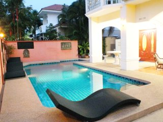 Private Pool Villa Walking Street 10 Minutes Away!