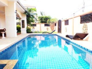 Private Pool Villa Walking Street 10 Minutes Away!