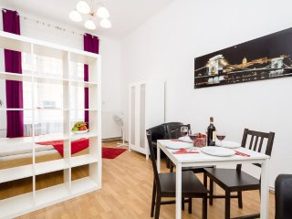 Marvelous Apartment with Wi-Fi /M34s/, Budapest
