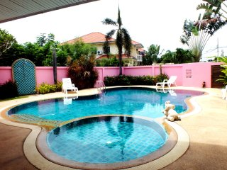 Large Private Pool Walking Street 10 Minutes Away!