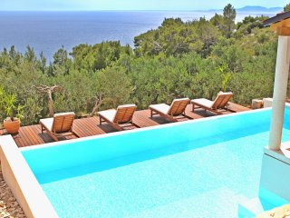 Stunning view 4 bedroom villa flat Bougainvillea, Hvar