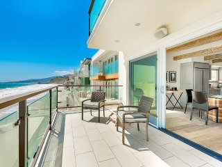 La Costa Beach House, Sleeps 6, Malibu