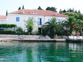 Holiday Home Palmasol - 8 bedrooms, 7 bathrooms, Maslenica