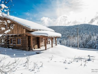 Chalet rondins neuf - 8p - WiFi et Jacuzzi