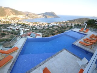 5 Bedrooms Villa Unlimited Kalkan