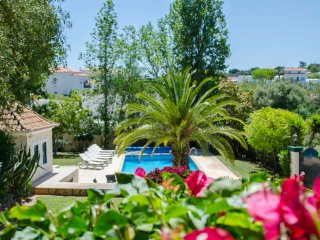 Villa Caravela – Private 4-Bedroom Villa with a Big Garden and Swimming Pool