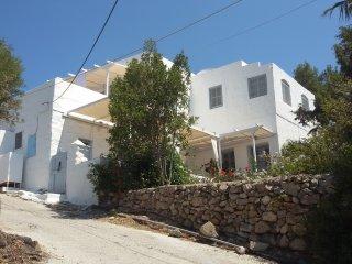 traditional villa patmos christos eot 1325