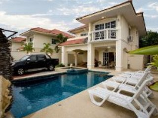 4 Bedroom Villa Walking Street 10 Minutes Away