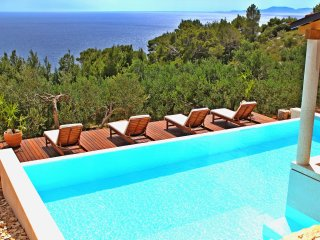 One bedroom villa flat with amazing views, Hvar Island