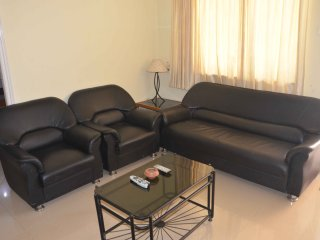Goa Rentals 1Bhk Groud Flr Pool Facing AC Apartment Calangute