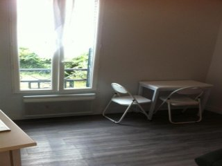 studio cosy meuble proche jardin du luxembourg