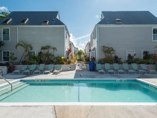 Spa On Duval- Spacious Condo on Duval St w/ Pvt Hot & Parking, Cayo Hueso (Key West)