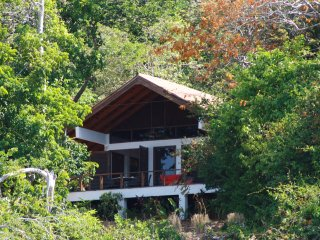 Isla Boca Brava, Casa Leon, living in a little wilderness, Boca Chica, beach