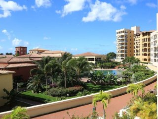 AAZURE... 1BR love nest at Porto Cupecoy, St Maarten