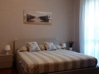 Appartamento a 5 minuti a piedi dal mare, Marina Di Massa