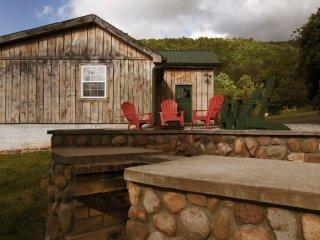 Spring Gap Meadows - Beautiful Large Log Cabin