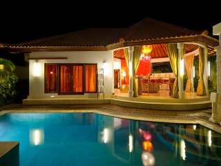 Cozy Red 2 Bedroom Villa, Central Seminyak;