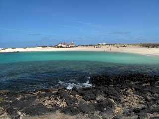 Duplex in El Cotillo, beautiful superb white beach