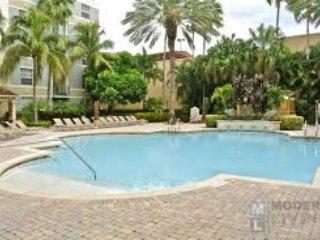 Luxury Condo - Courtyards City Place W Palm Beach