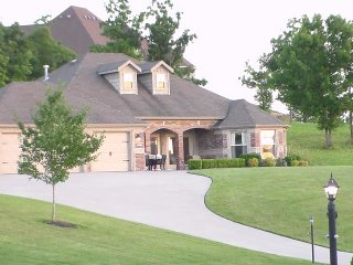 Luxurious Twin Master Suite Home in Branson Creek, Hollister