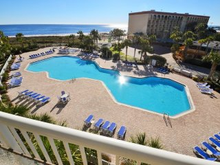 411 Destin West Gulfside ~Free Beach Service! ~Premium Unit! ~ RA77849, Fort Walton Beach