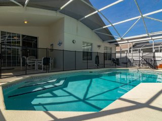 Charming Home with Gameroom and Hot Tub, Kissimmee