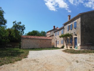 Beautiful country house in Pula, 4*