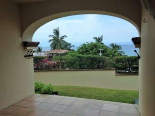 Gated Condo with beautiful views and fun decor, Punta de Mita