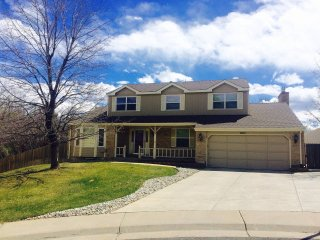 Huge 6 BR Sleeps 13 Comfortably Pool Table Close to Denver/Boulder!