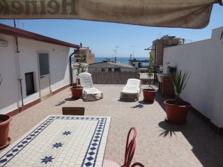 """TOSOS""  APARTMNENT NEAR THE BEACH, Giardini-Naxos"