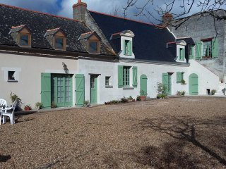 French farmhouse with swimming pool, Longue-Jumelles