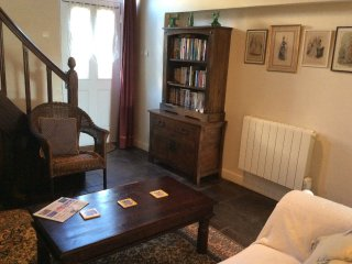 18C holiday cottage in a quiet Limousin village., Haute-Vienne