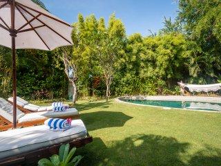 Bali Kuta Holiday Villa 10045