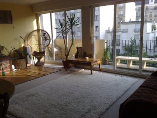 2/3 rooms, 70m2, quiet, two big balconies, París