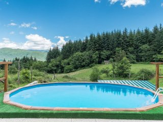 Secluded  mountain romantic hideaway with pool., Camporgiano